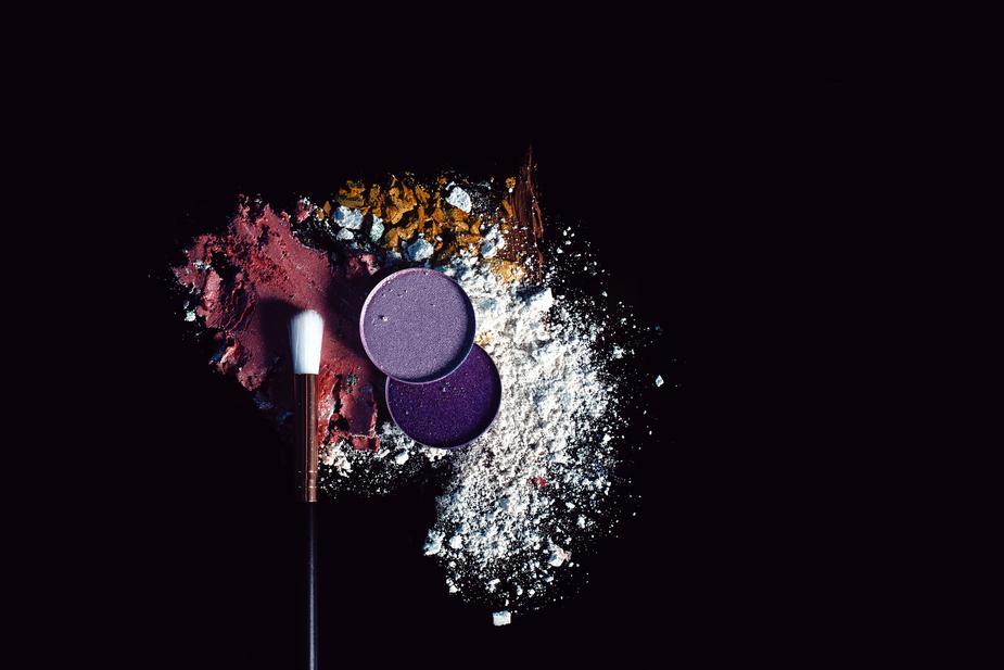 poudres de maquillage symbolisant la diversité des profils colorimetriques